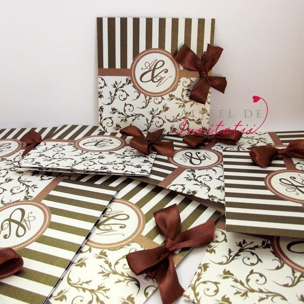Invitatii de nunta Paris personalizate cu fundita maro