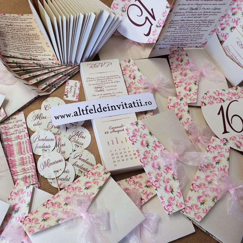Altfel de invitatii si accesorii de nunta vintage