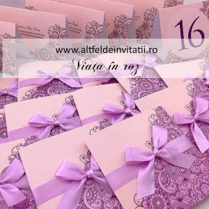 Invitatia Viata in roz pliata in 3 parti cu fundita mov - altfel de invitatii