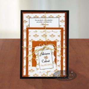 Invitatia de nunta Fara ezitare cuprinde trei carduri deosebite, legate cu un snur antic - altfeldeinvitatii.ro