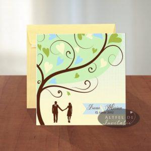 Invitatia are un imprimeu ideal pentru un cuplu romantic. Copacul este cel care reda frumusetea invitatiei - altfeldeinvitatii.ro