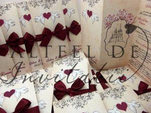 Invitatie personalizata La Castel - Legamanat si Florile dragostei este unica si foarte eleganta - altfeldeinvitatii.ro
