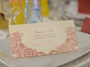 Place card nunta Viata in roz la nunta reala