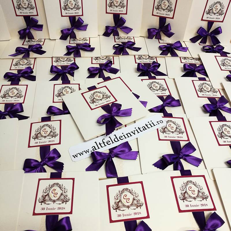 Invitatii de nunta personalizate Ziua asteptata violet