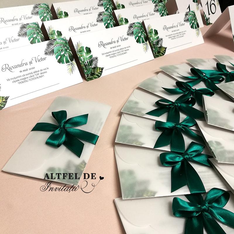 Personalizare invitație Pădure tropicală cu formă și mod de accesorizare preluat de la invitația Chipul tău